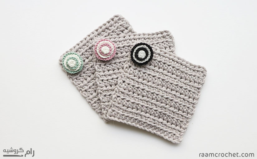 Crochet buttons decorating cup coasters